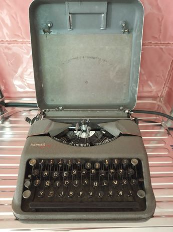 Máquina De Escrever E.Paillard Hermes Baby Vintage