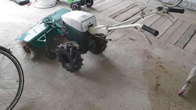 Zamiatarka  traktorek dzik