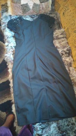 Sukienka czarna RYŁKO roz. 36 koronka , podszewka .
