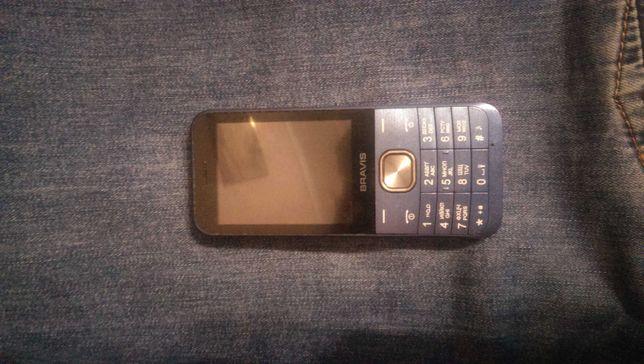 Продам телефон bravis в очень хорошем состоянии