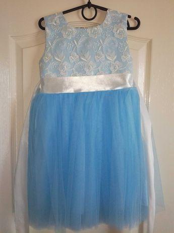 Платье нарядное пышное