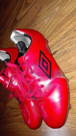 Buty piłkarskie korki Umbro 41