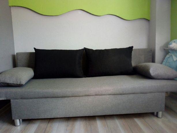 Sofa z funkcją spania+pojemnik na pościel