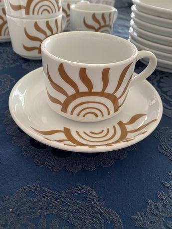 Serviço, 8 chávenas e 8 pratos de chá - Vista Alegre