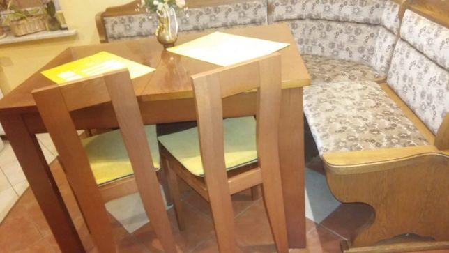 śliczny, zadbany stół kuchenny +2 krzesła i ławę do siedzenia itd..