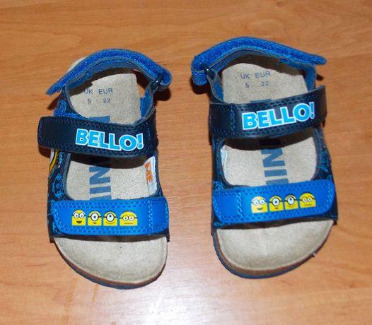 Новые фирменные босоножки для мальчика, размер 5 (13,5 см)