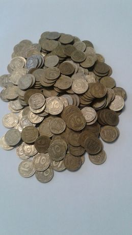 400 монет по 10 копеек 1992 года.