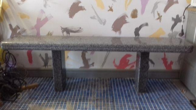 Гранитная скамейка полированная