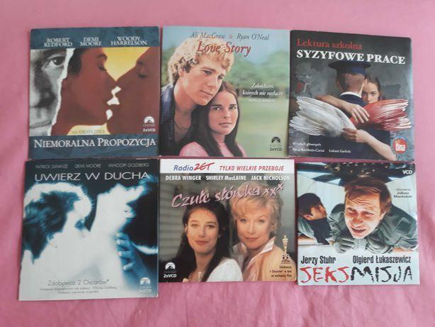 Filmy DVD ,płyty po 2 w każdym opakowaniu