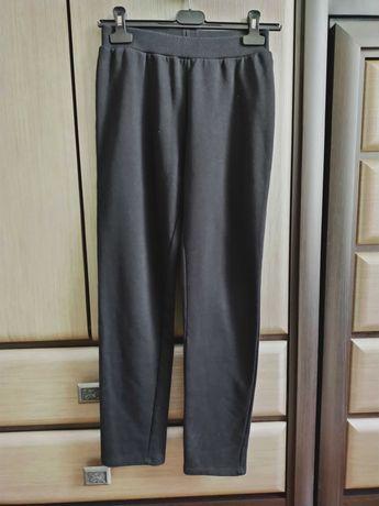 Спортивные штаны LC Waikiki на девочку 9-12 лет в идеальном состоянии