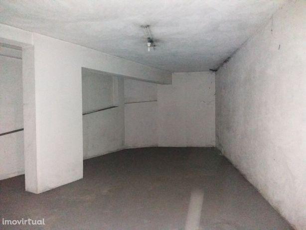 Garagem  Arrendamento em São João da Madeira,São João da Madeira