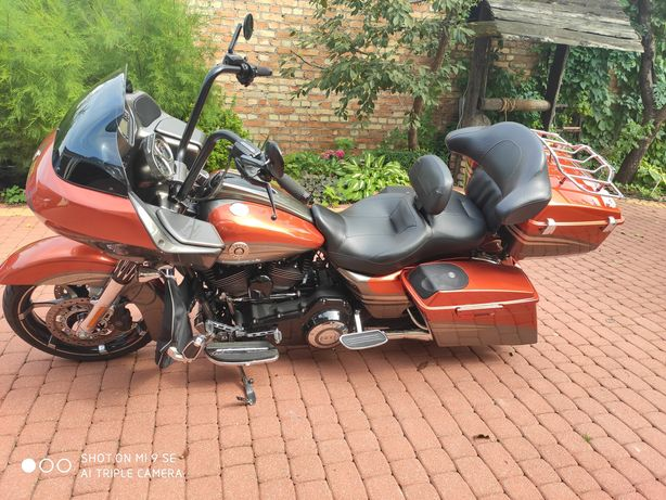 Harley-Davidson Road Glide CVO 110