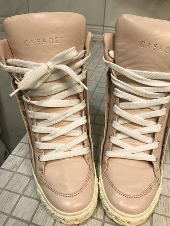 Ботинки женские CASADEI нежно розового цвета
