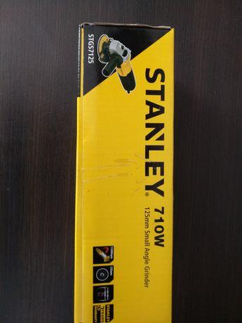 Угловая шлифмашина Stanley STGS7125