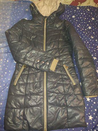 Куртка жіноча розмір 42 в чудовому стані