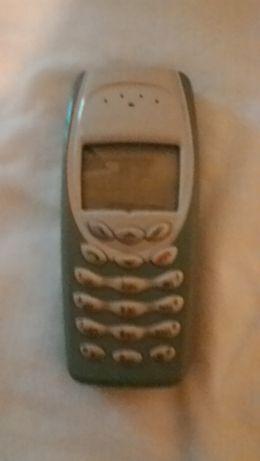 telemóvel com carregador 3410
