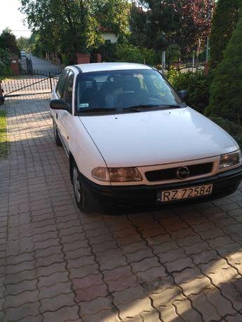 Części Opel Astra F 1998 rok 1.4 175/70 R13