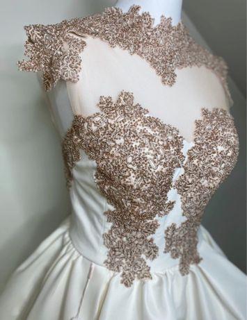 Piękna sukienka Lou