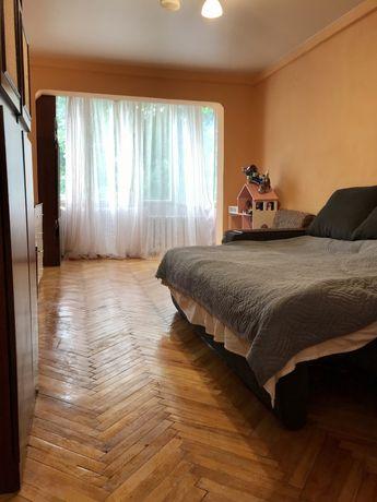 Сдам квартиру 1к, Соломенский р-н 10000(с комуналкой)