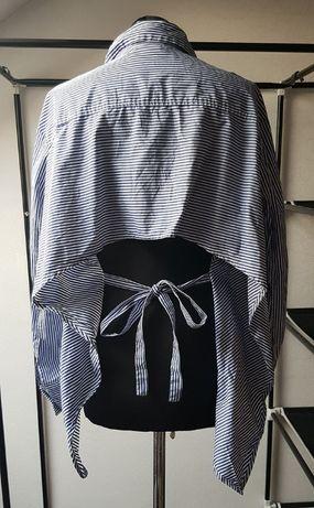Elegancka koszula bez pleców w paski wiązana MTWTFSS WEEKDAY