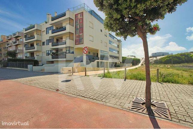 Apartamento T3, remodelado, na praia da Barra com lugar de garagem