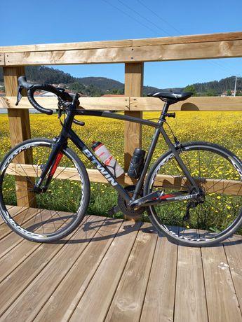 Vendo quadro bicicleta xl  b..twin     mais roda frente