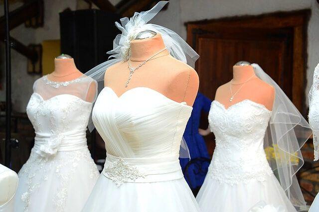 pranie sukien ślubnych