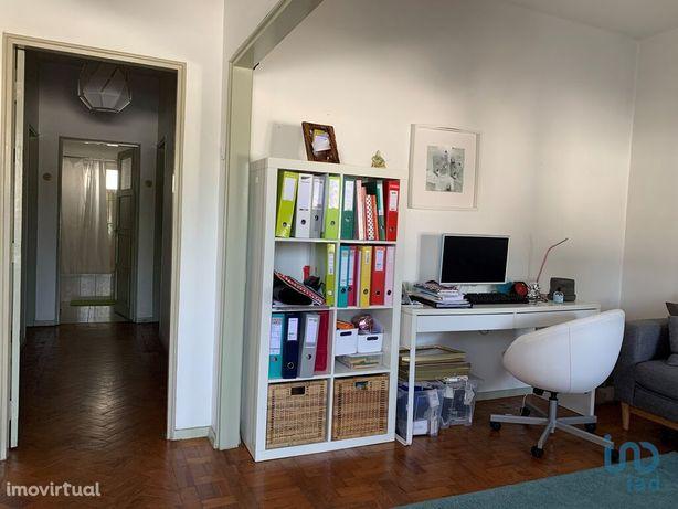 Moradia - 1243 m² - T3