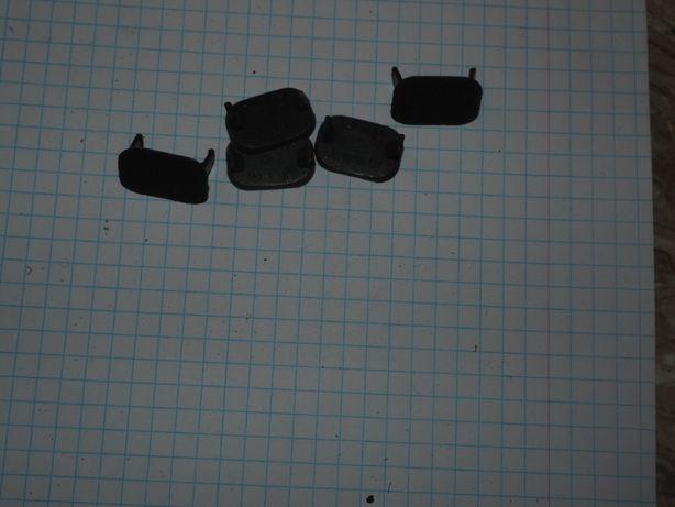 Zaślepka śruby dolnej osłony konsoli mercedes W123 5 szt kpl zieleń 83