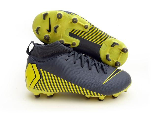 Buty piłkarskie, korki Nike Jr. Superfly VI Academy rozmiar 34 (21 cm)