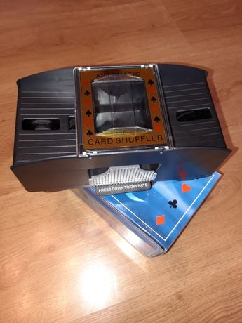 Tasownik do kart automatyczny