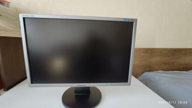 Samsung SyncMaster 2243nw 22дюйма