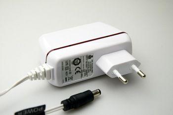 Блок питания Адаптер питания UP0251B-15PE 15V 1,66A Native Instruments