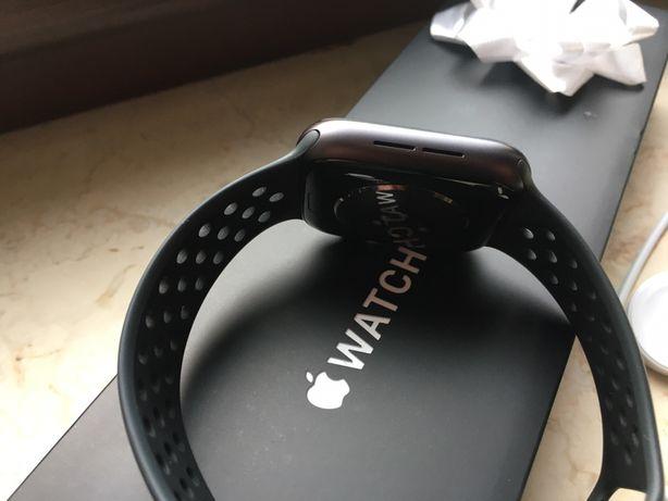 Apple Watch Nike series 6 aluminium. GPS + Cellular 44mm.