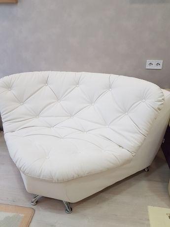 Срочно! Новый кожаный итальянский диван