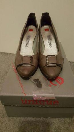 Buty / czółenka / szpilki rozm. 36 dł. wkładki 24.5 cm.