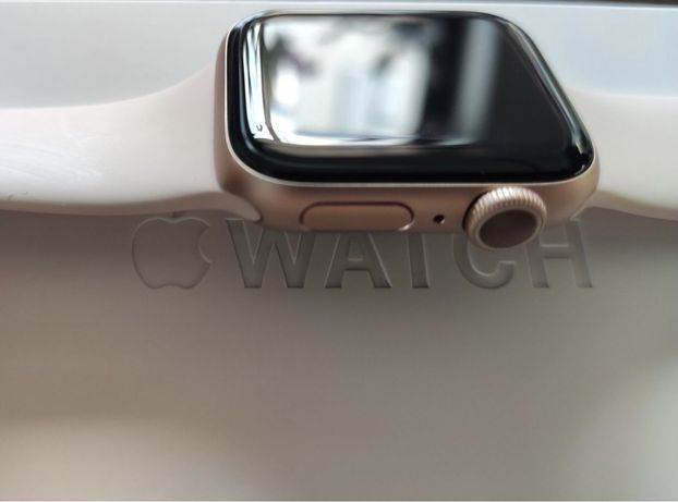 Смарт часы Apple Watch Series 5 GPS 40 mm Pink