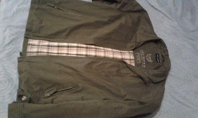Куртка весенне осеннего периода мужская почти новая