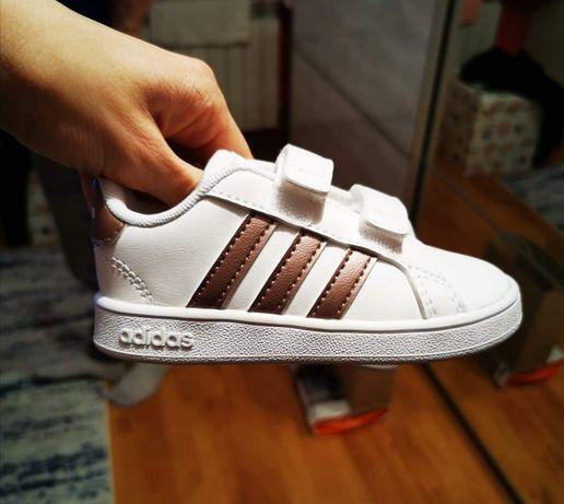 Buty Adidas rozmiar 22 i 24