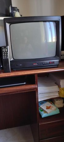 "TV de 14"" First Line"