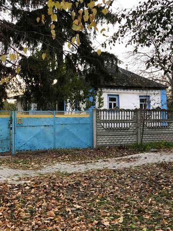 Продається будинок в центрі смт. Володарка Київської області