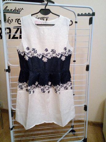 Nowa biało granatowa sukienka firmy Jys Rozmiar L /XL