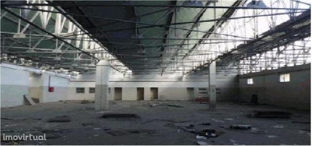 Armazém Vilar do Paraíso- industrial