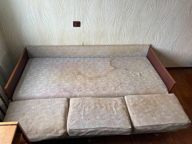 Розкладний диван на дачу б/у