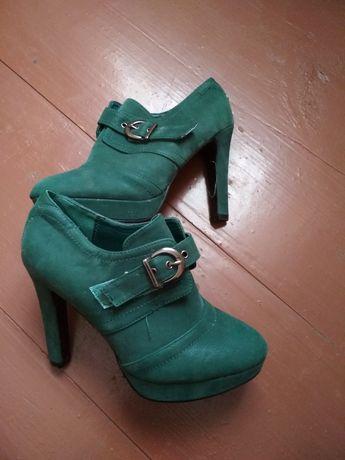 Черевики, ботинки, ботінки, туфлі