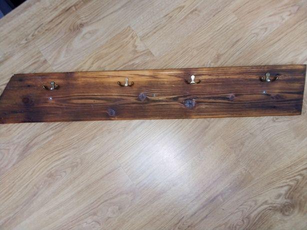 Drewniany wieszak