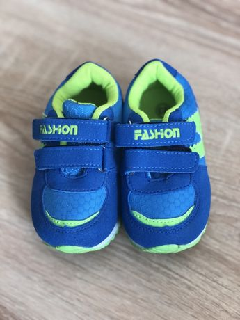 Кросівки для хлопчика + мокасини у подарунок