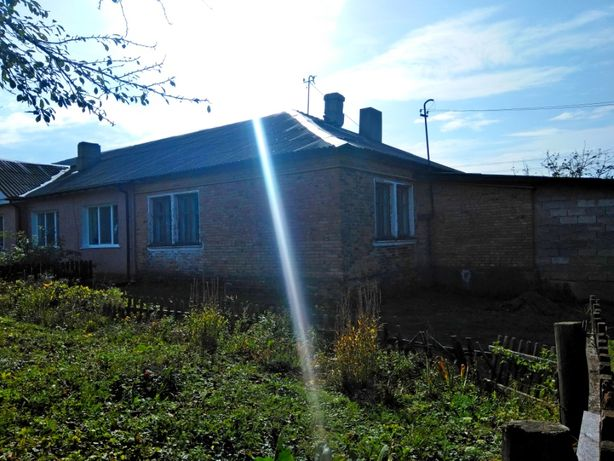 Продам 2-х кімнатну квартиру в смт.Благодатне(смт.Жовтневе)