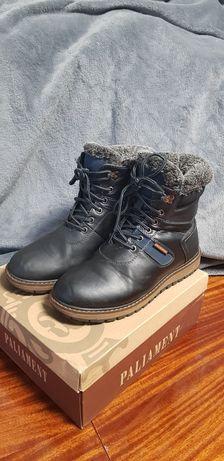 Теплые ботинки на мальчика 38 р