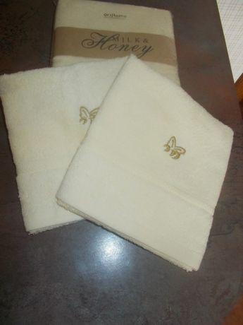 Комплект полотенец Oriflame